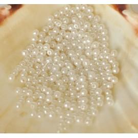 plastové perle 4mm biele
